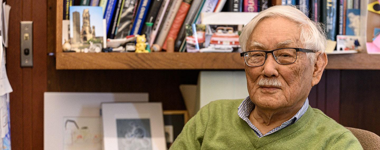 Photo on Masayori Inouye in his office